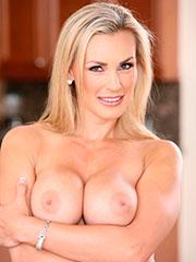 Порно милф из категории «Блондинки»